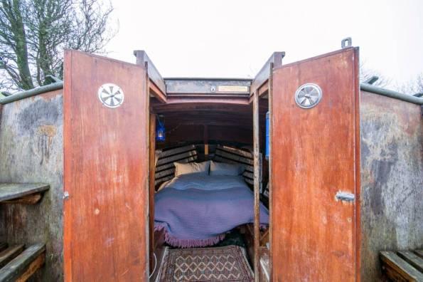 Boatel Bed